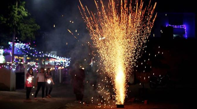 நேரக் கட்டுப்பாட்டை மீறி பட்டாசு வெடித்த 625 பேர் மீது வழக்கு!